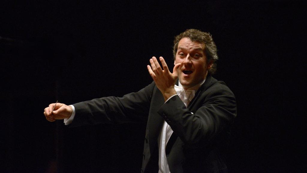 Markus Poschner dirigiert das Wiener Jeunesse Orchester