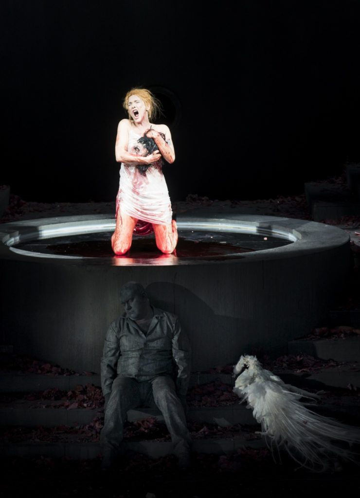 Marlis Petersen (Salome), Johan Reuter (Jochanaan) im Theater an der Wien, Januar 2020