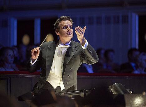 Philippe Jordan im Orchestergraben der Wiener Staatsoper