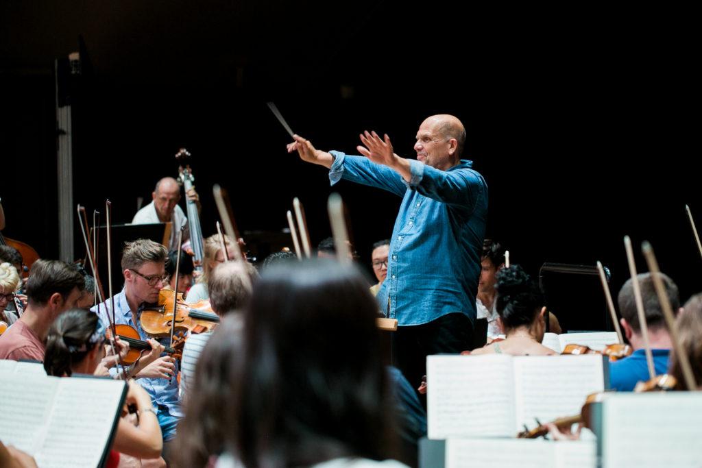 Jaap van Zweden, Music Director der New York Philharmonic, leitet die Gstaad Conducting Academy